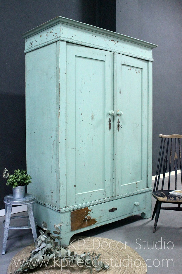Armario antiguo color menta mint
