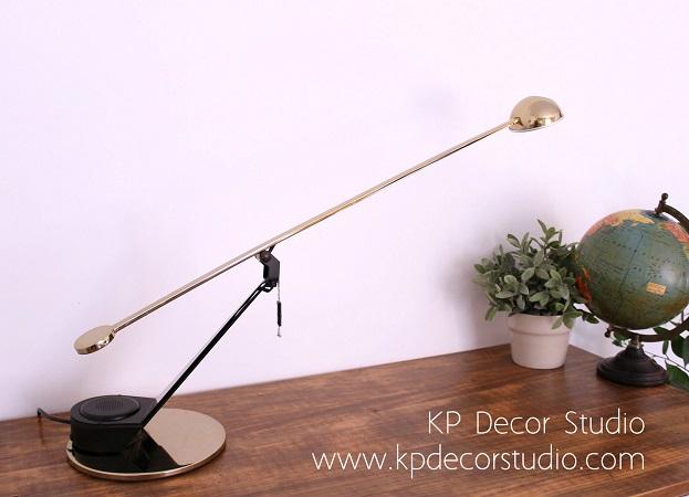 Comprar lámpara de mesa fase años 80 bombilla halogena