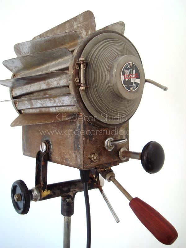 Focos antiguos de cine para decoración