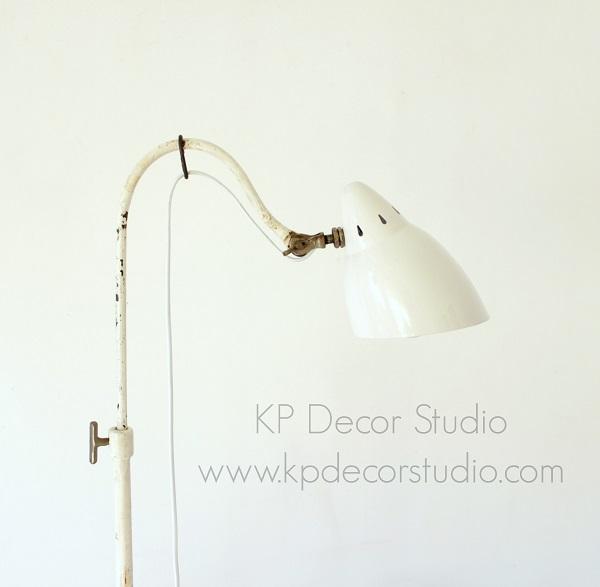 Lámpara industrial para salón o rincón de lectura