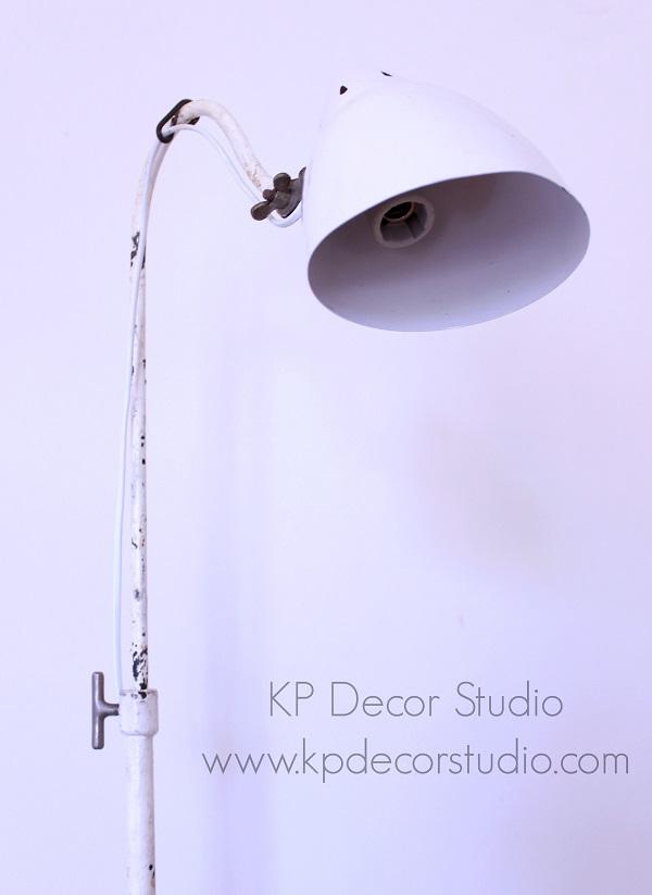 Lámpara de consulta de médico antigua
