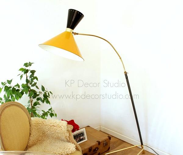 Bonita lámpara cónica vintage midcentury para salón
