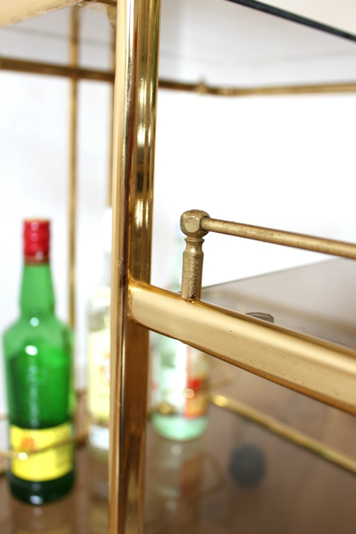 Mesita auxiliar vintage dorada