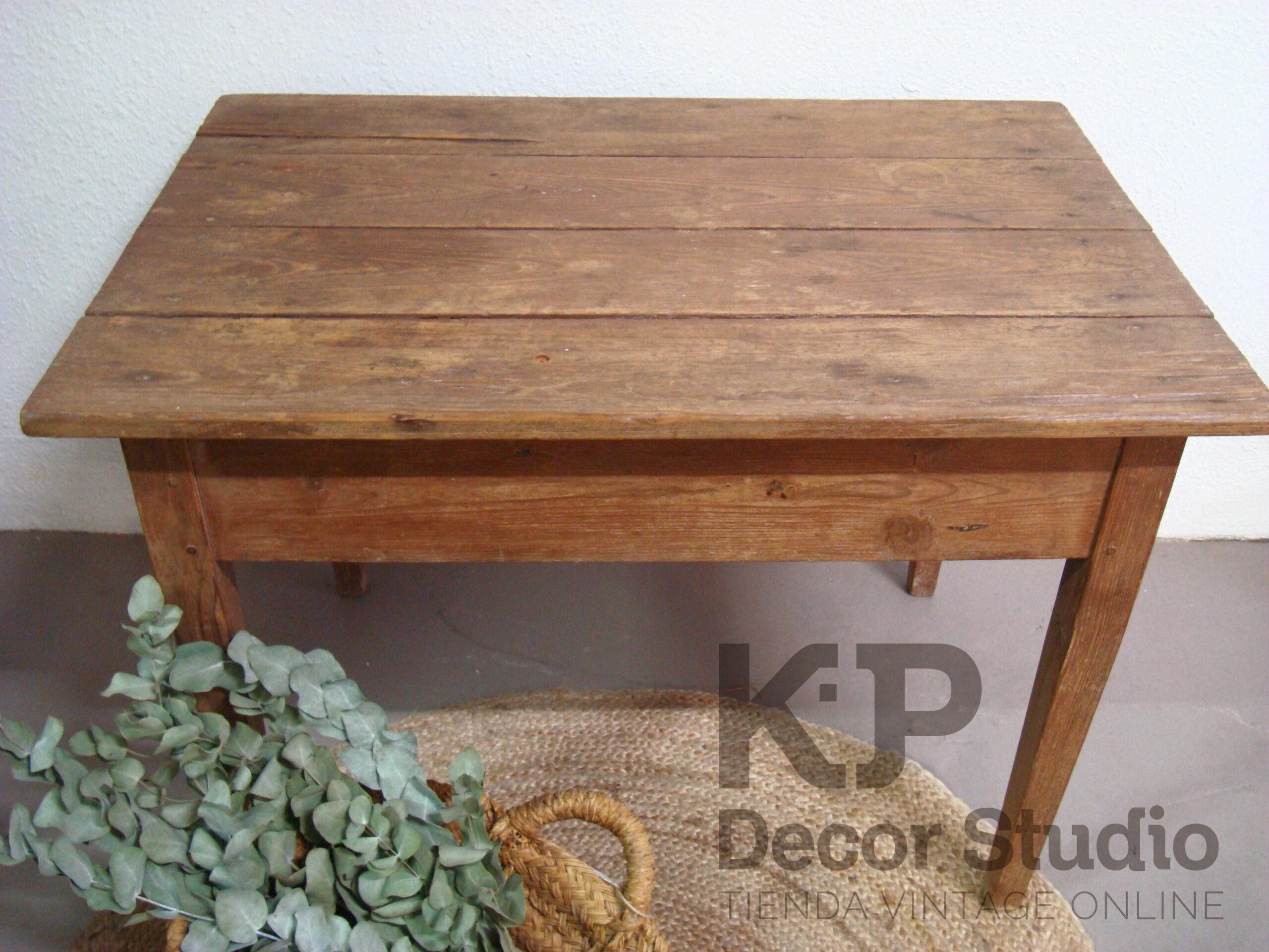 Tienda muebles rústicos antiguos. mesita tocinera